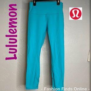 Lululemon 3/4 length leggings EUC
